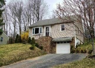 Foreclosed Home en WICKHAM AVE, Goshen, NY - 10924