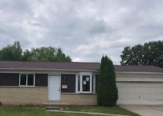 Foreclosed Home en KELLY RD, Roseville, MI - 48066