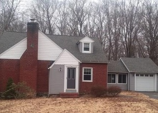 Foreclosed Home in PORTER AVE, Middlebury, CT - 06762
