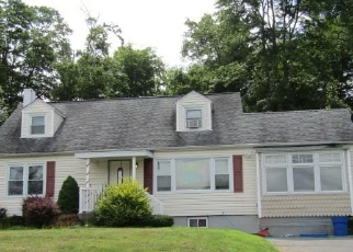 Foreclosed Home in OVERLOOK AVE, Yorktown Heights, NY - 10598