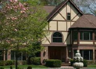 Foreclosed Home en TAYLOR LN, Westport, CT - 06880
