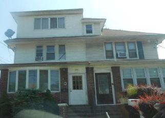 Foreclosed Home en ELIZABETH AVE, Staten Island, NY - 10310