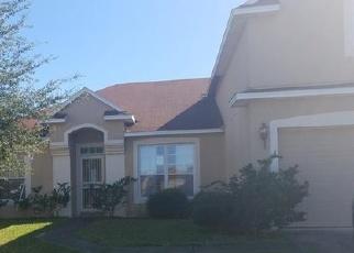 Foreclosed Home en HAWKS CREST DR, Middleburg, FL - 32068