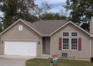 Foreclosed Home en E 4TH STREET CT N, Independence, MO - 64056