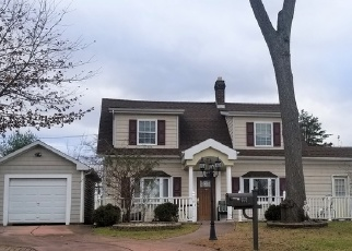 Foreclosed Home in DAUNTLESS PKWY, Elmont, NY - 11003