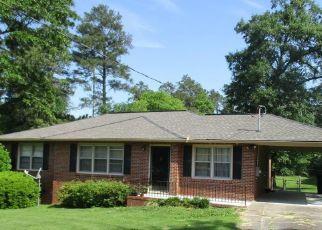 Foreclosed Home en AVENUE OF PNES, Macon, GA - 31204