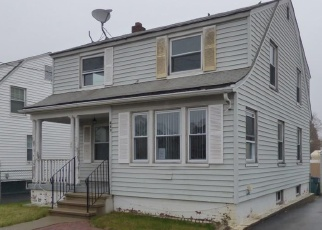 Foreclosed Home en NEWHALL ST, Hamden, CT - 06517