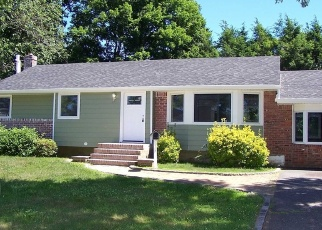 Casa en ejecución hipotecaria in Greenlawn, NY, 11740,  CLAY PITTS RD ID: F4338438