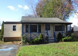 Foreclosed Home en ORION ST, West Haven, CT - 06516