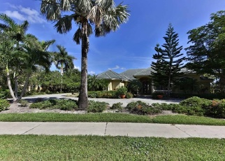 Foreclosed Home en BRYNWOOD DR, Naples, FL - 34119