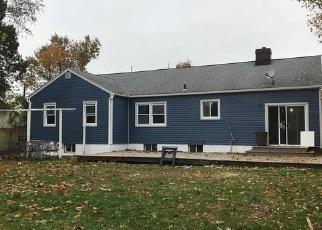 Foreclosed Home en THOMAS AVE, Baldwin, NY - 11510