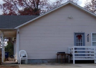Foreclosed Home in COLE RD, Winston Salem, NC - 27107