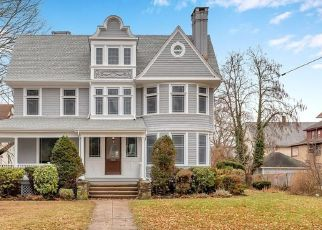 Foreclosed Home en ALDEN AVE, New Haven, CT - 06515