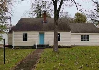 Foreclosed Home in EUCLID AVE, Jasper, AL - 35501