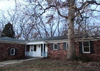 Foreclosed Home in OAKWOOD DR, Pekin, IL - 61554