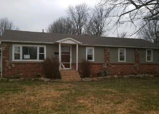 Casa en ejecución hipotecaria in Aurora, MO, 65605,  E PEARL ST ID: F4338877
