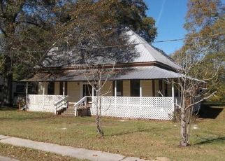 Foreclosed Home in FIRST ST E, New Augusta, MS - 39462