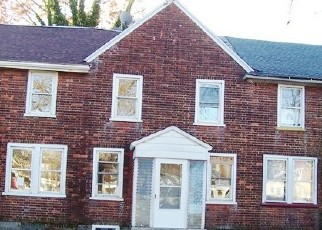 Foreclosed Home in S COMMON RD, Camden, NJ - 08104