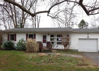 Foreclosed Home en ODELLE DR, Akron, OH - 44319