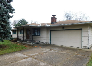 Foreclosed Home en GARGASZ DR, Lorain, OH - 44053