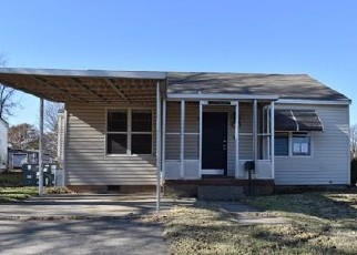 Foreclosed Home in S 8TH ST, Chickasha, OK - 73018