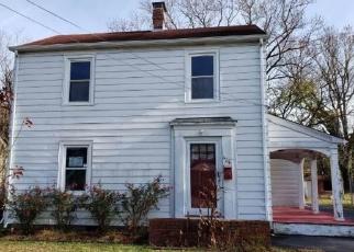 Foreclosed Home in ENGLAND AVE, Hampton, VA - 23669