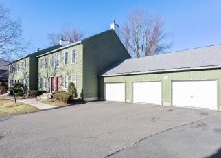 Foreclosed Home en RIVERVIEW DR, East Windsor, CT - 06088