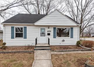 Foreclosed Home en LORETTA LN, Green Bay, WI - 54302