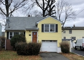 Foreclosed Home in BOWER ST, Linden, NJ - 07036