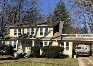 Foreclosed Home in WASHINGTON ST, Toms River, NJ - 08753