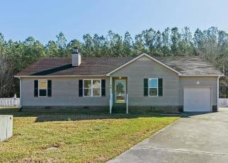 Foreclosed Home in MEADOW DR, Elizabeth City, NC - 27909