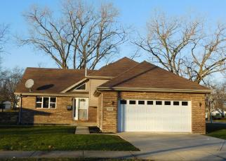 Foreclosed Home en W 15TH PL, Chicago Heights, IL - 60411