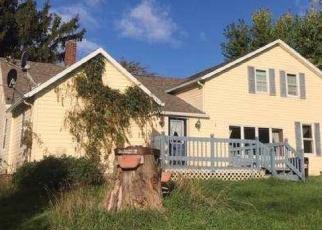 Foreclosed Home en SCHELLIN LN, New London, WI - 54961