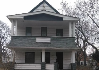 Foreclosed Home en MAUD AVE, Cleveland, OH - 44103