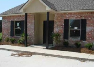 Foreclosed Home in OLD HERMITAGE PKWY, Baton Rouge, LA - 70810