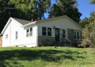 Foreclosed Home in N RIDGEPORT LN, Bloomfield, IN - 47424
