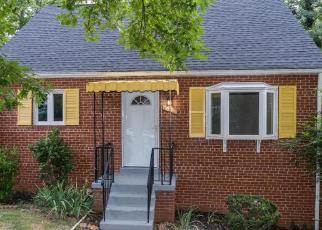 Foreclosed Home en HEMLOCK PL, Temple Hills, MD - 20748