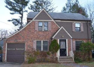 Foreclosed Home in BELLEVUE RD, New Haven, CT - 06511