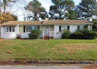 Foreclosed Home en DEXTER ST E, Chesapeake, VA - 23324