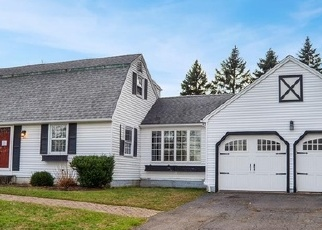 Foreclosed Home en JONES RD, Wallingford, CT - 06492