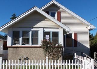 Foreclosed Home en WARREN ST, New London, CT - 06320
