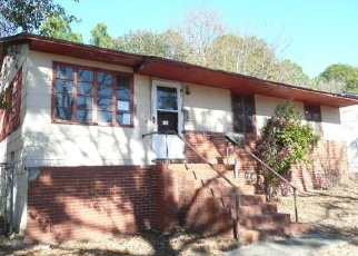 Foreclosed Home en ELL ST, Macon, GA - 31206