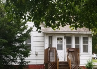 Foreclosed Homes in Clinton, IA, 52732, ID: F4340099