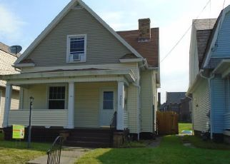 Foreclosed Home en HURON AVE, New Castle, PA - 16101