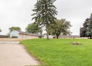 Foreclosed Home en N CHURCH ST, Watertown, WI - 53098
