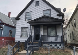 Foreclosed Home en W CHAMBERS ST, Milwaukee, WI - 53212