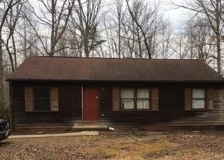 Foreclosed Home en ANTIOCH RD, Scottsville, VA - 24590