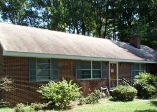 Foreclosed Home en SAUNDERS RD, Hampton, VA - 23666
