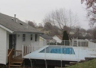 Foreclosed Home en FENTON PARK DR, Fenton, MO - 63026