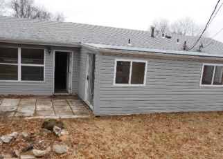 Foreclosed Home en SUMMIT DR, Arnold, MO - 63010